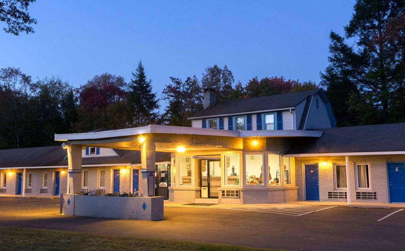 Night Lodge